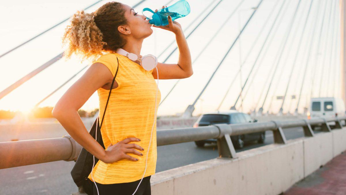 Aprenda a importância da hidratação na atividade física